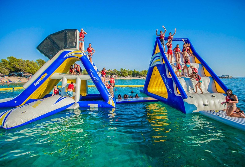 Have Fun On Inflatable Toys On A Luxury Charter