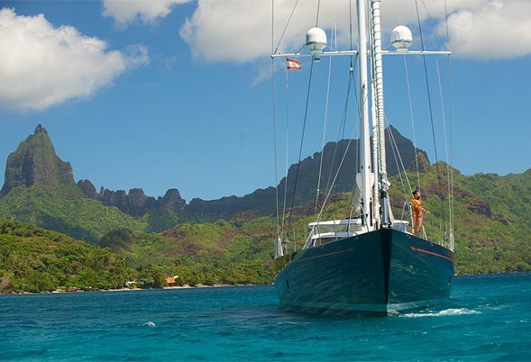 BLISS Motoring in Tahiti