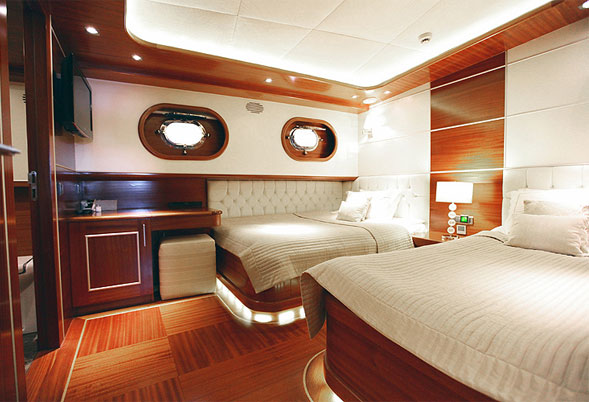 Carpe Diem IV forward twin stateroom