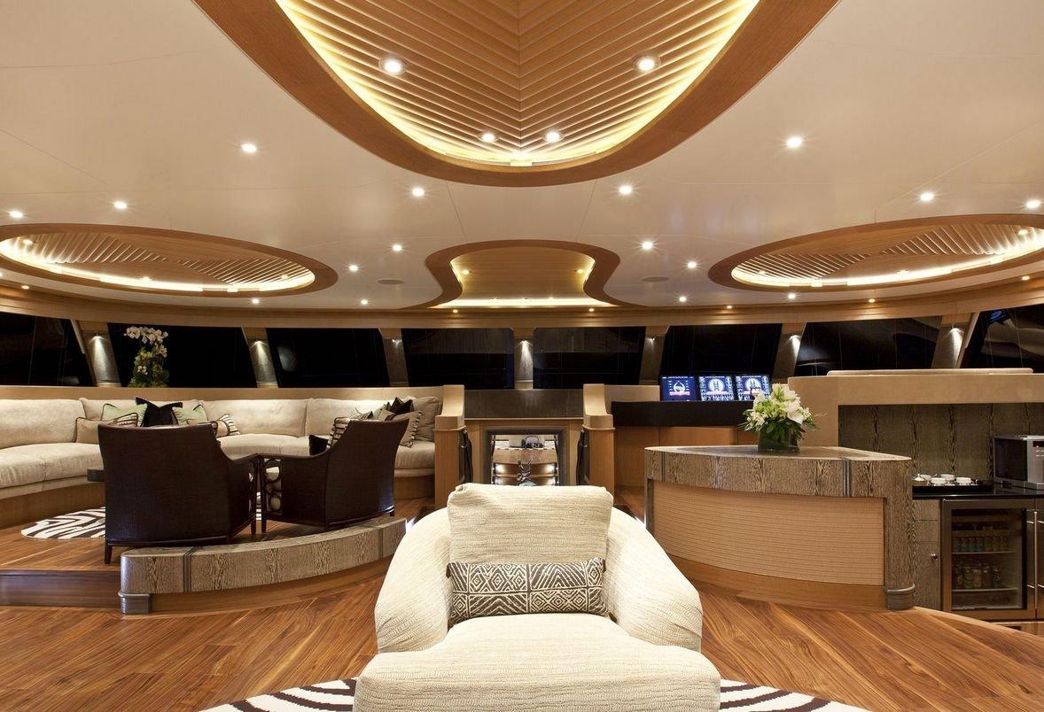 louer hemisphere le plus grand catamaran voile luxury charter group. Black Bedroom Furniture Sets. Home Design Ideas