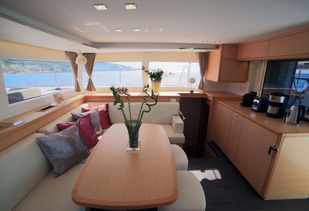 Charter the luxury catamaran DANIELA II in Greece - Luxury