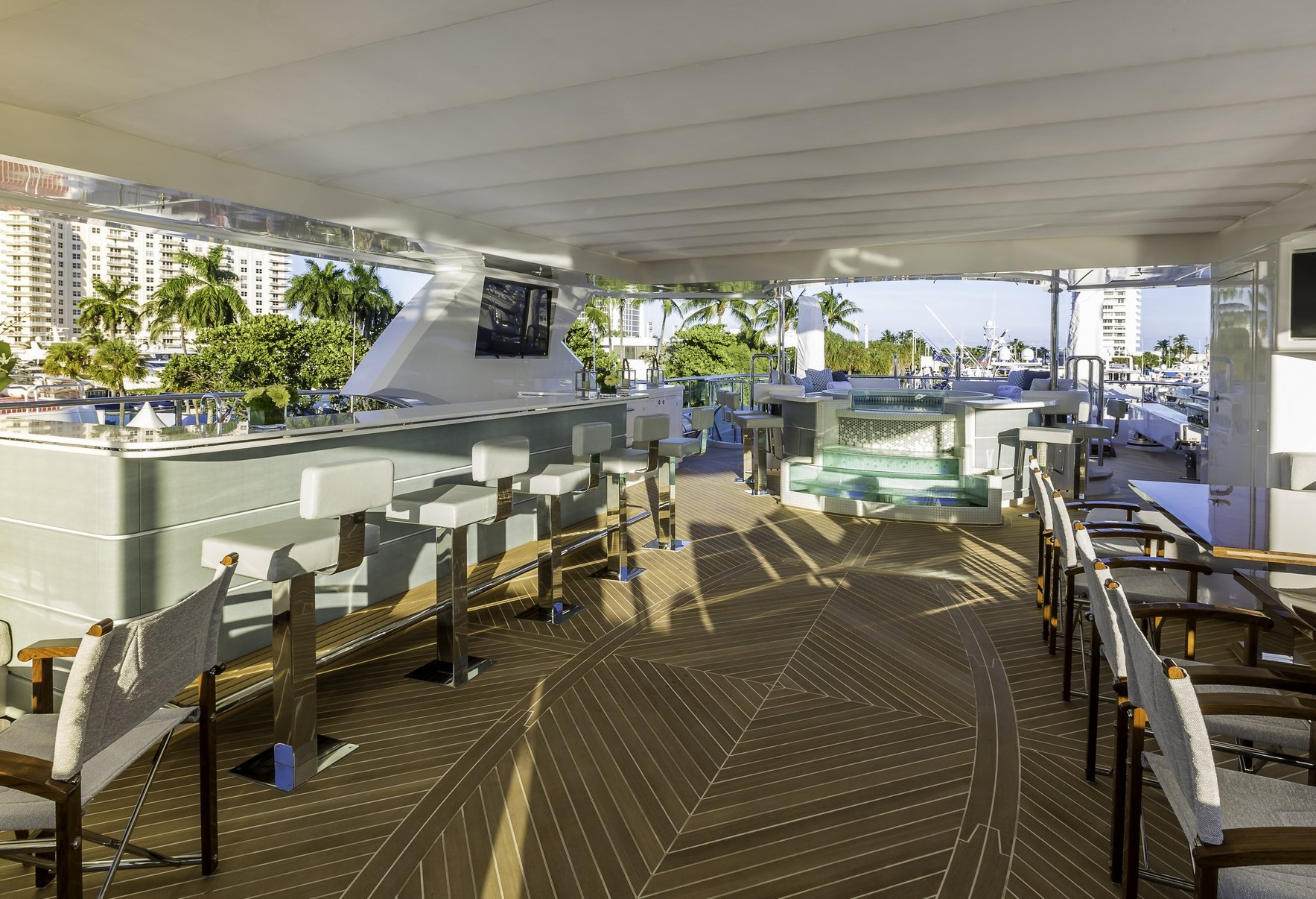 KING BABY Sundeck Looking Aft