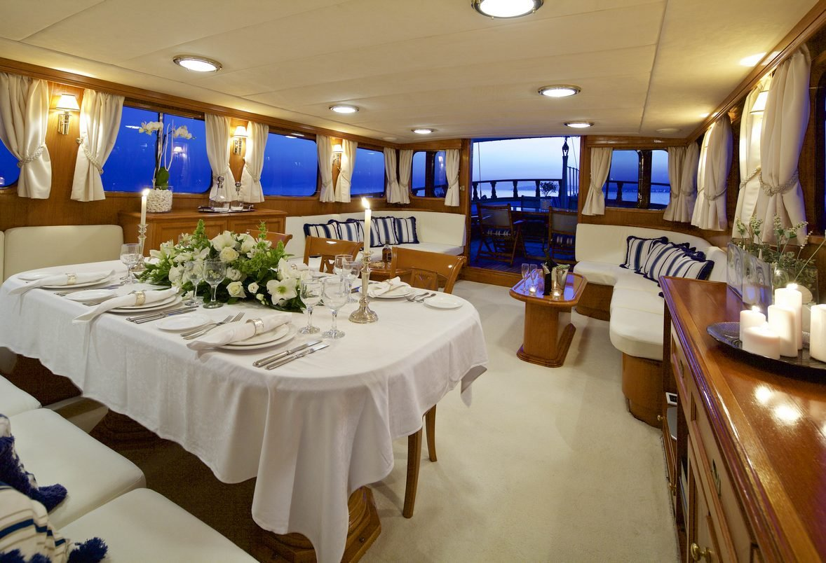 Charter Motor Sailer HERMINA Saloon and Dining