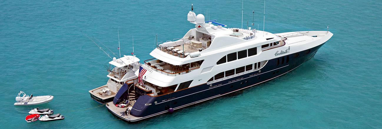 Le Bateau De Luxe Moteur Cocktails Disponible Aux Bahamas Luxury Charter Group