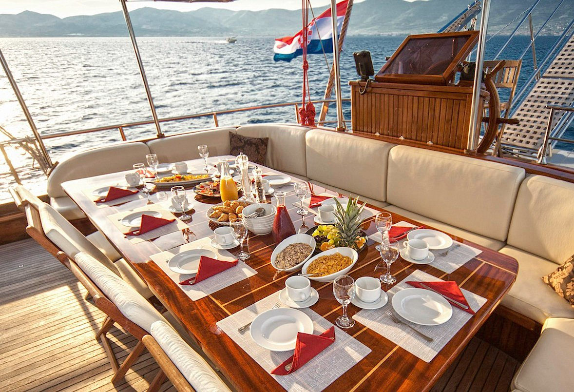 Luxury Charter Gulet LIBRA Aft Dining