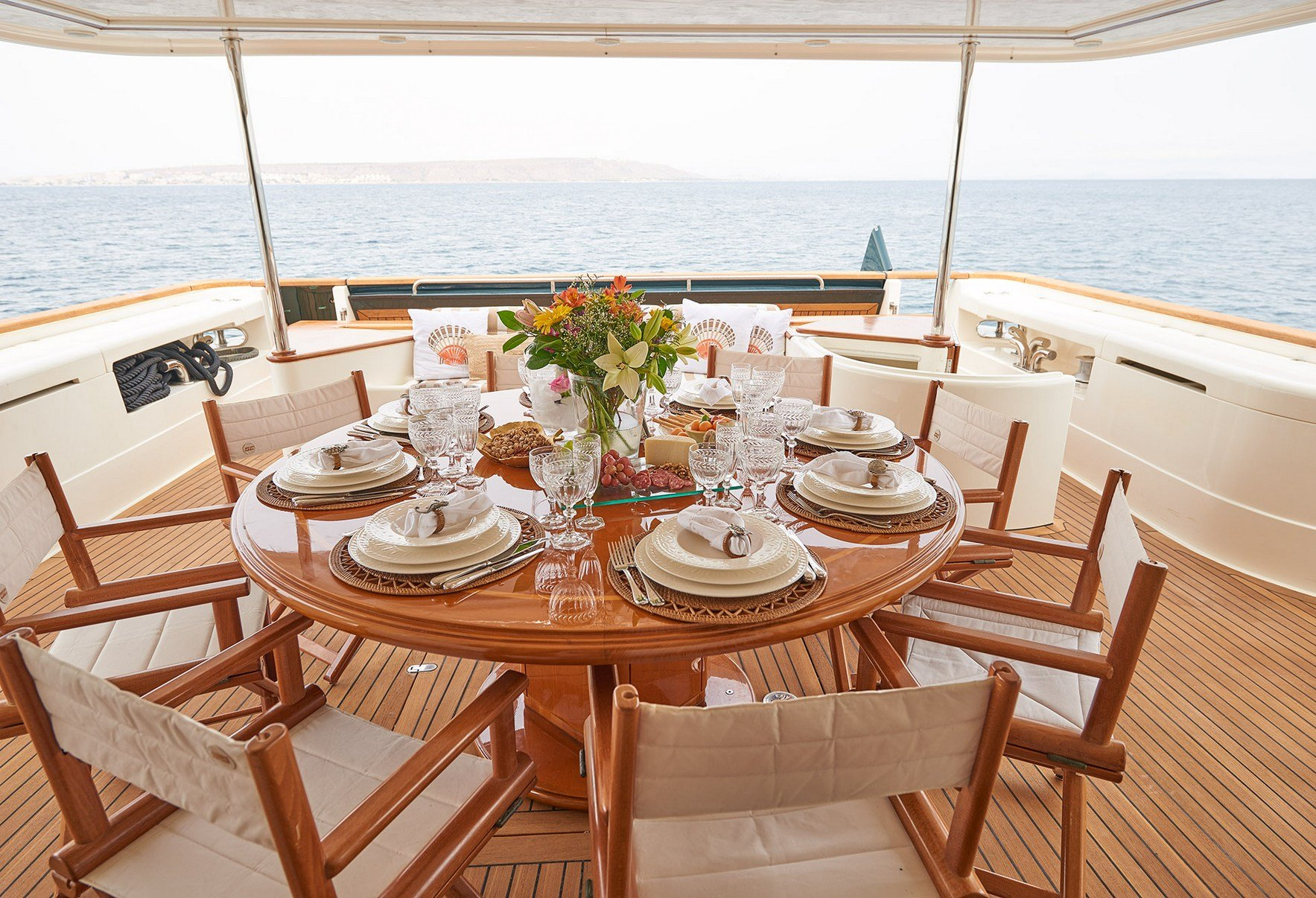 IMAGINE Aft Deck Dining