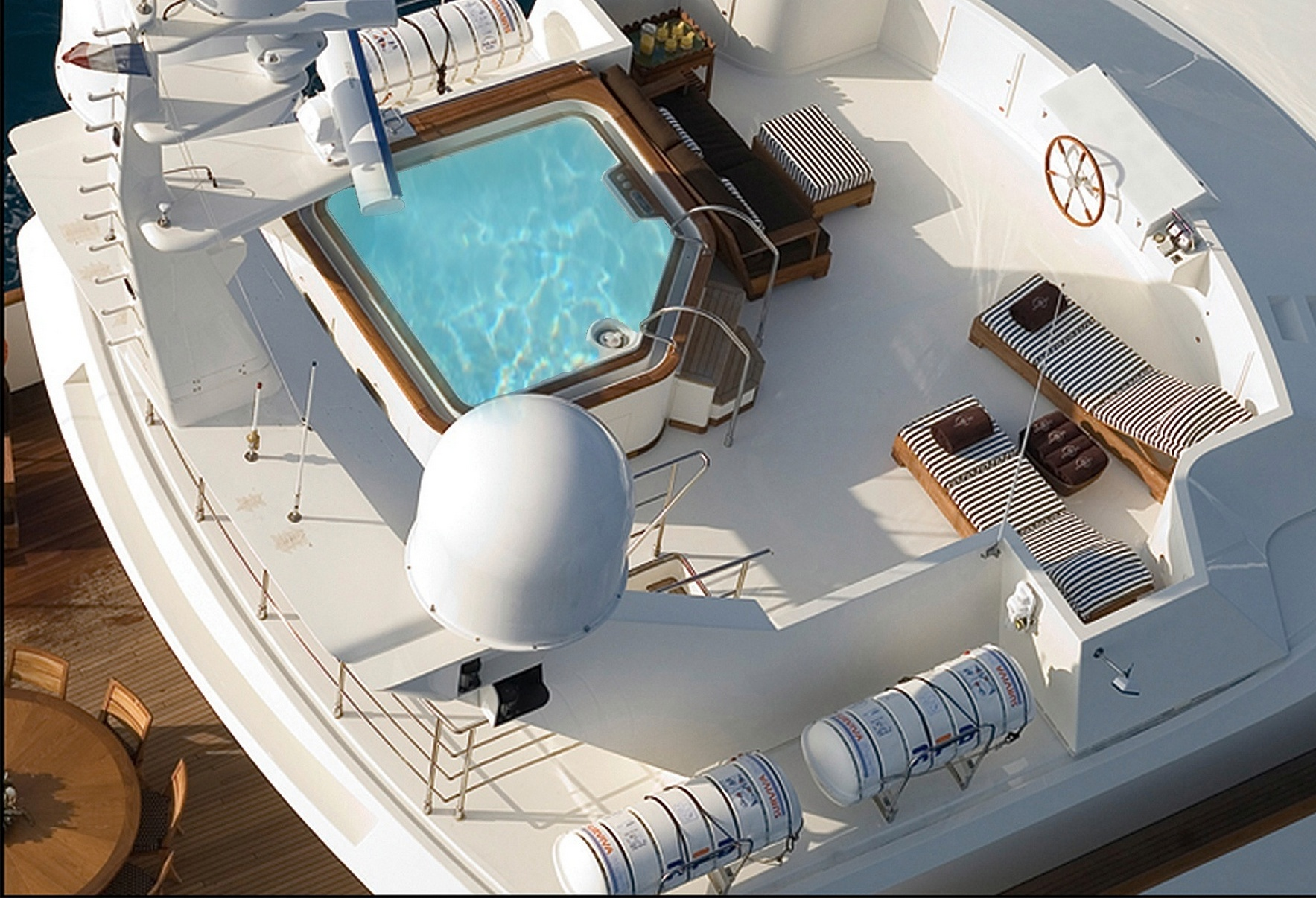 SEA DREAM Aerial View of the Jacuzzi