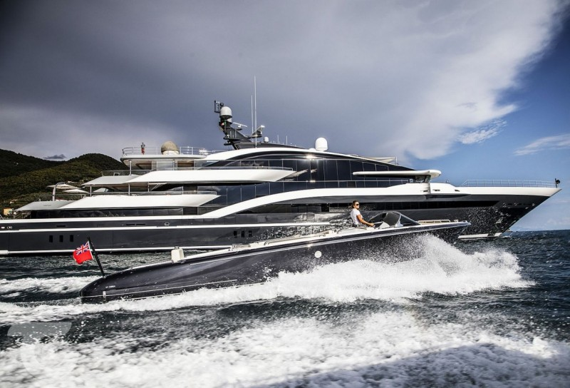 Luxury Charter Yachts with Top Tenders