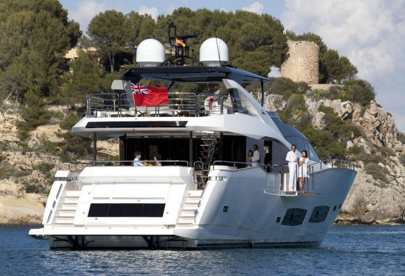 Choose a Sunseeker for your Luxury Yacht Charter