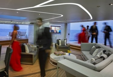 Balconies & beach clubs wow on modern megayachts