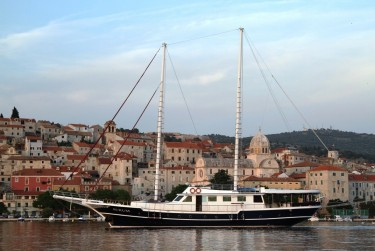 Charter Gulet AURUM June 16-23 in Croatia. Book now.