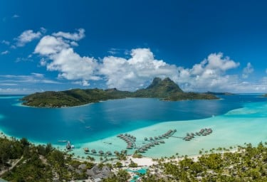 Charter a Luxury Yacht in the South Pacific