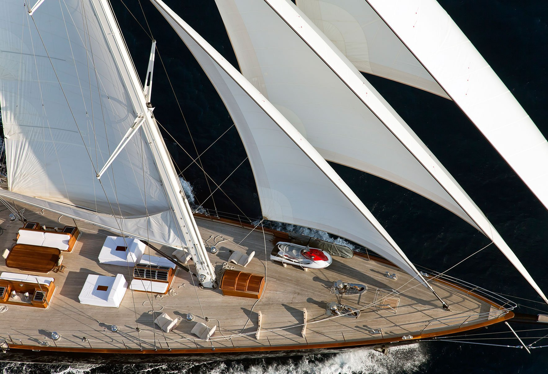 ARIA I Foredeck Under Sail