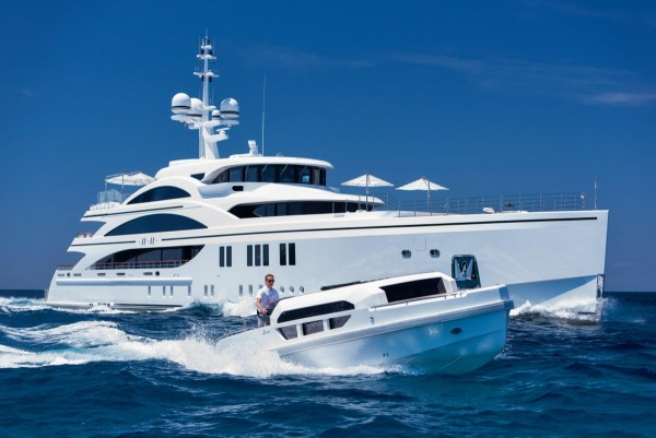 11.11: Save EURO 200,000 per week for this Remarkable Yacht in the Caribbean