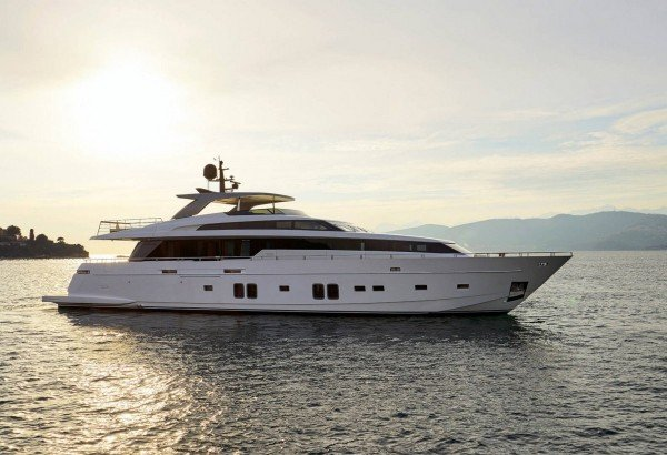 MY DINAIA, 32m (104'), new Sanlorenzo, offers 10% discount in September*