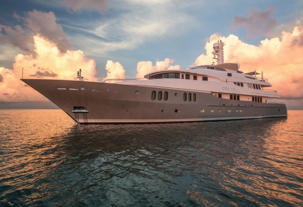 Charter DREAM (60m /197') in the paradise of French Polynesia in January 2020*