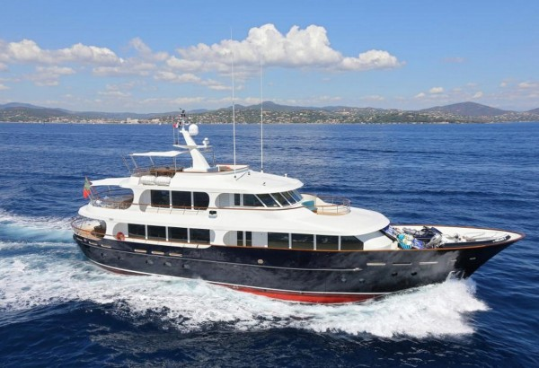 ROBBIE BOBBY (33.5m): Special Luxury Charter offer for July & August*