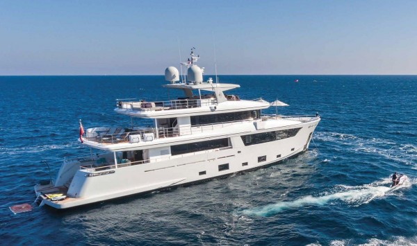 NARVALO (33.4m) Charter 8 days for the price of 7 in August In Italy & France*