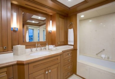 BLU 470 Master Bathroom