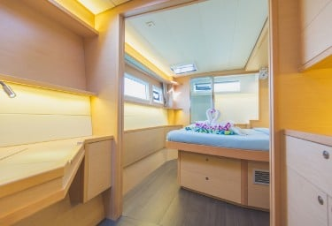 BLUE MOON Double Cabin