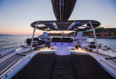 CARPE DIEM Flybridge at Dusk