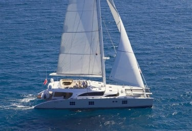 Charter Catamaran IPHARRA Under Sail