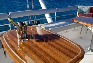 XENIA 74 Flybridge Table