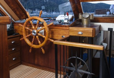 Charter Gulet ABORDA Helm Position