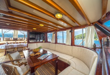 Charter Gulet ANGELICA Saloon Port Side