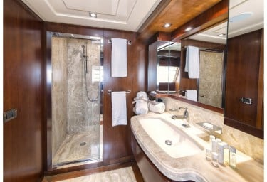 ANNE MARIE Guest Stateroom Bathroom