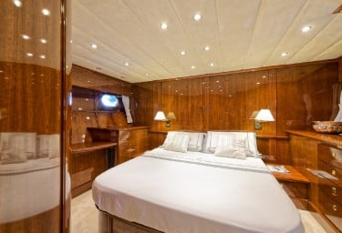 BUGIA Guest Double Cabin