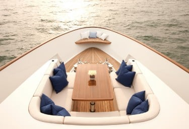 FIREFLY Foredeck Seating