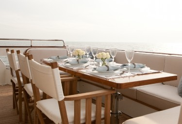FIREFLY Mid Aft Deck Dining