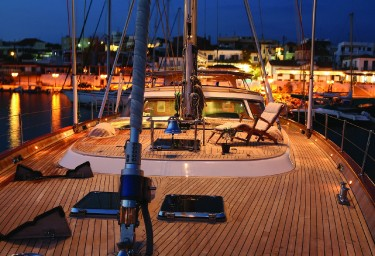 GITANA Foredeck in the Evening