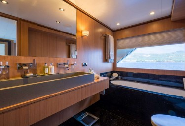 GO Master Cabin Bathroom