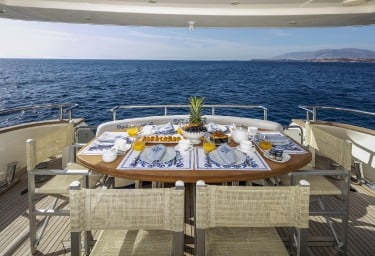 GORGEOUS Aft Deck Breakfast