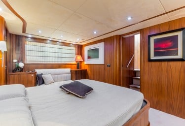 OCTAVIA Guest Double Cabin