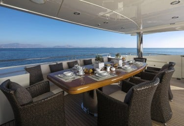 RINI V Main Deck Aft Dining Table