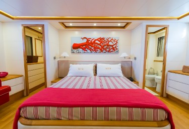 Charter Yacht RIVIERA Guest Double Cabin