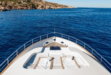 SERENITY III Foredeck