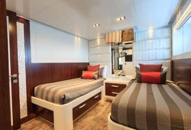 PARADISE Twin Stateroom