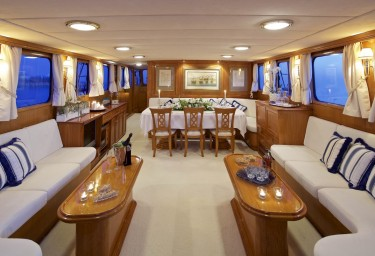 Charter Motor Sailer HERMINA Saloon View Froward