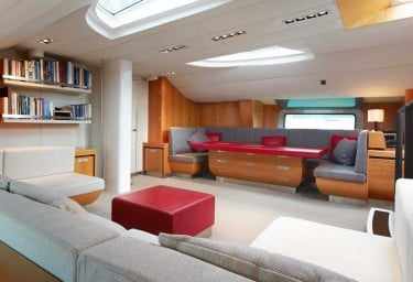 Luxury Charter Sailing Yacht SILVERTIP Saloon