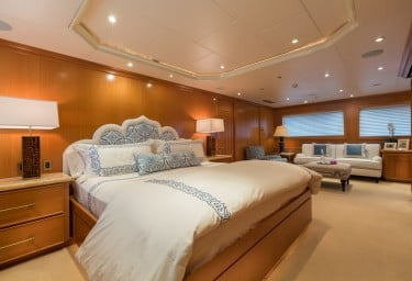 FOUR WISHES Full Beam Master Suite