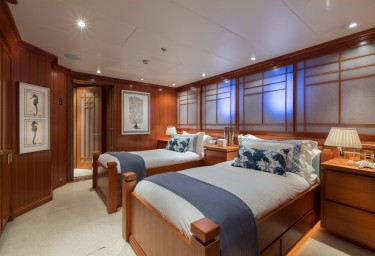 FOUR WISHES Guest Twin Cabin Port