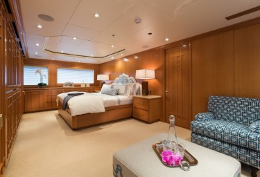 FOUR WISHES Main Deck Master Suite