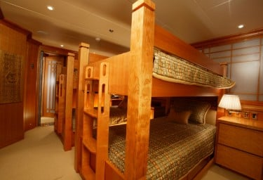 FOUR WISHES Twin Cabin with Bunk Beds