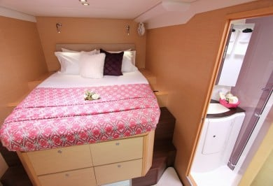 FOXY LADY Queen cabin with ensuite
