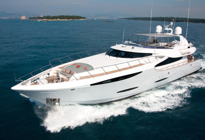 bateaux de luxe en au grand prix de monaco luxury charter group. Black Bedroom Furniture Sets. Home Design Ideas