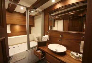 Luxury Gulet CANER IV Master Ensuite Bathroom